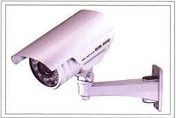 国内メーカー製、人気のネットワーク防犯カメラ